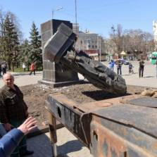 Open rebellion against Kiev is dangerous, but people are starting to organize