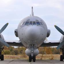 Разведывательные самолеты, системы радиоэлектронной борьбы и высокотехнологичная война России в Сирии