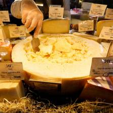Плач по сыру, или Почему российских либералов не любят их соотечественники