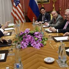 Is the Iran Deal Good or Bad News for Russia? | Photo: Brendan Smialowski, Reuters