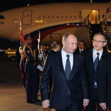 President of Russia Vladimir Putin and President of Egypt Abdel Fattah el-Sisi during the welcoming ceremony at Cairo airport   Photo: RIA Novosti