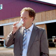 The German Farmer Who Built a 60,000 Head Dairy Juggernaut in Russia (Video)