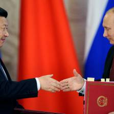 Goodbye Petrodollar: Russia Accepts Yuan, Is Now China's Biggest Oil Partner