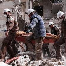 White Helmets 'Treat' 'Chemical Gas Attack' Victims Without Protective Gear - Again