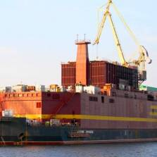 Russia to Install World's First Floating Nuclear Power Plant in Arctic Town