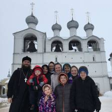 US Orthodox Priest, Wife, and 8 Children Move to Russia (Rostov-the-Great) - Interview