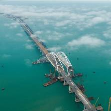 Crimea Bridge to Open for Car Traffic 6 Months Ahead of Schedule