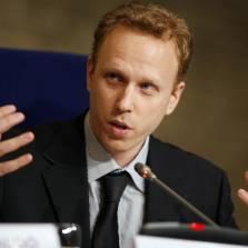 Top Kiev Nazi Gets Warm Welcome at US Senate, Jewish Journo Max Blumenthal Confronts Him (Video)
