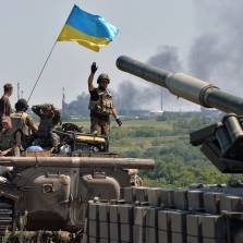 """Ukraine's artillery continues to """"liberate"""" Donetsk"""