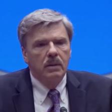 Роберт Перри прославился громкими журналистскими расследованиями