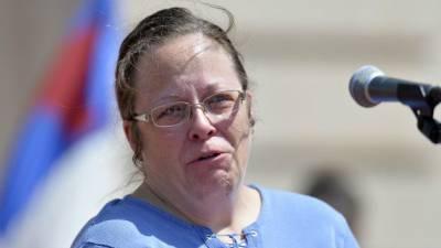 Дэвис утверждала, что ее христианская вера не позволяет ей регистрировать однополые союзы. Государство решило, что позволяет | Фото: АП