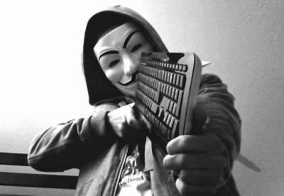 http://russia-insider.com/sites/insider/files/styles/s400/public/Anonymous-Hacker-Charged-with-CyberStalking.jpg?itok=m6o6luQl