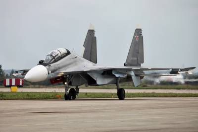 A Russian air force SU-30SM at the MAKS airshow at the Ramenskoye Airport near Moscow, Aug. 29, 2013  Photo: Vitaly V. Kuzmin, Wikimedia