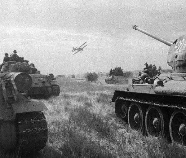 <figcaption>Советские войска ведут боевые действия в первый день войны с Японией   © РИА Новости. Семен Раскин </figcaption>