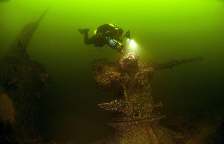 <figcaption>Шведам, наконец, удалось найти российскую подводную лодку в своих территориальных водах. Затонувшую в 1916 году. На ее месте вполне могла быть современная английская...</figcaption>
