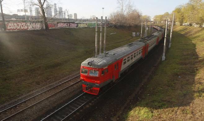 Trains back on track, thanks to Putin