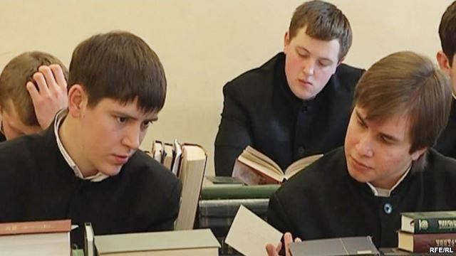<figcaption>Russian seminaries can't churn them out fast enough to meet growing demand</figcaption>