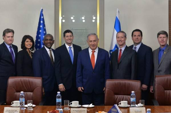 Conspiraciones : ¿El Sionismo es satánico? Netanyahu-and-US-Congressional-delegation-600x395