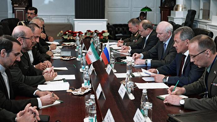<figcaption>Russian Defense Minister Sergey Shoigu (second right) and Iran's Minister of Defense Brigadier General Hossein Dehghan (second left) at the 4th Moscow Conference on International Security </figcaption>