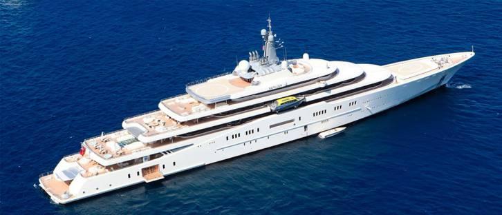 <figcaption>Abramovich's one billion dollars yacht</figcaption>
