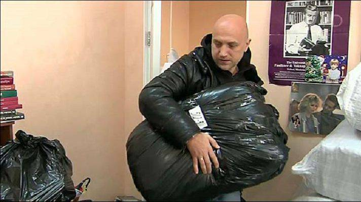 Zakhar Prilepin was organising humanitarian assistance to the people of Donbas - with a help from his French friends