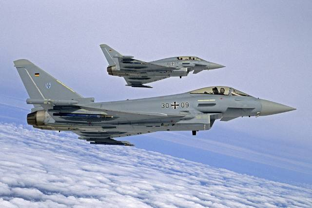 <figcaption>German Eurofighters, even in case of emergency, remain mostly on the ground</figcaption>