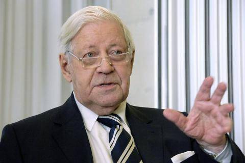<figcaption>Former Chancellor Helmut Schmidt warns against an escalation of the conflict</figcaption>