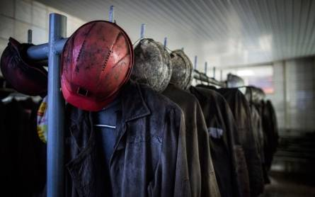 <figcaption>Tough times ahead for Ukraine's miners</figcaption>
