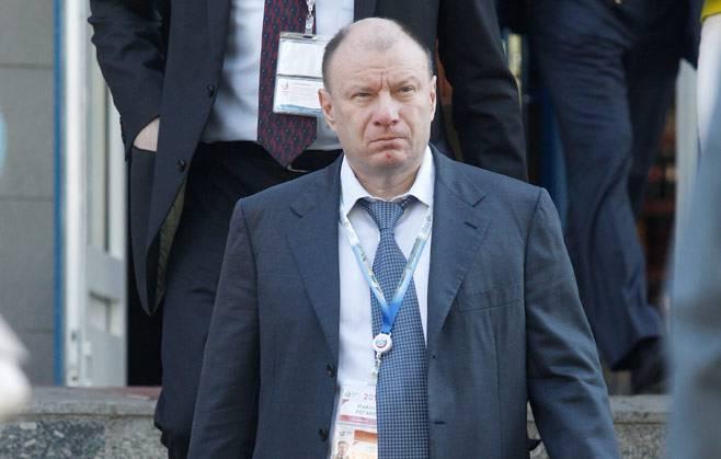 <figcaption>Vladimir Potanin</figcaption>
