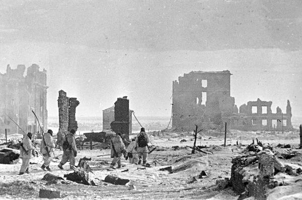 <figcaption>Stalingrad the day after liberation</figcaption>
