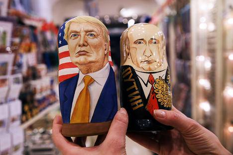 <figcaption>Russian dolls in the likeness of Donald Trump and Vladimir Putin in a souvenir shop. Source: Mikhail Pochuyev/TASS</figcaption>