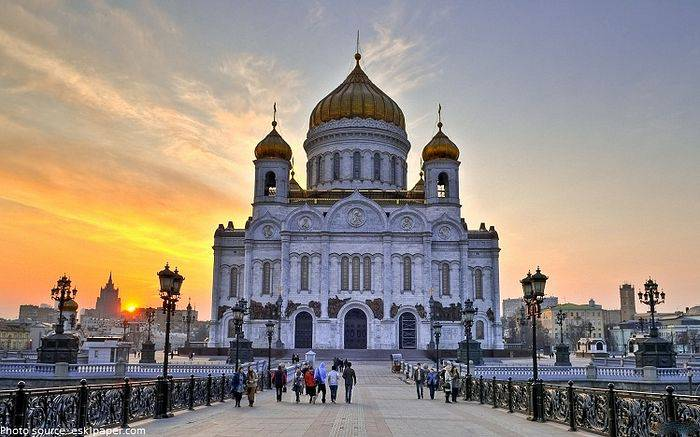 <figcaption>Some of them are enormous, like this Cathedral in Moscow (click to enlarge)</figcaption>