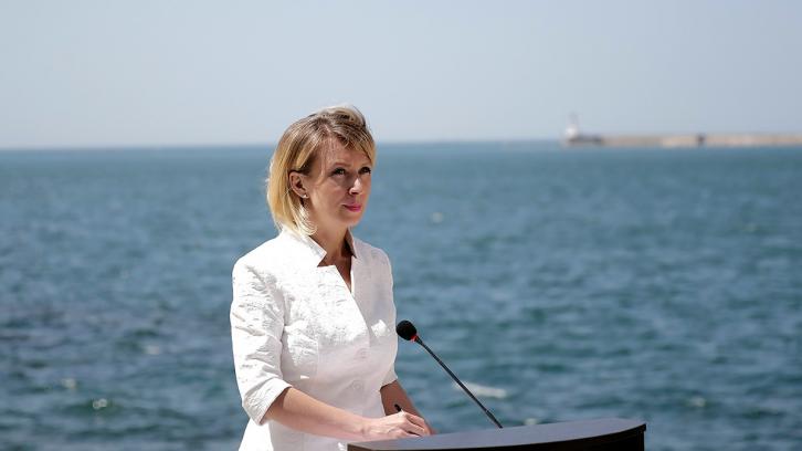 <figcaption>Maria in Crimea</figcaption>