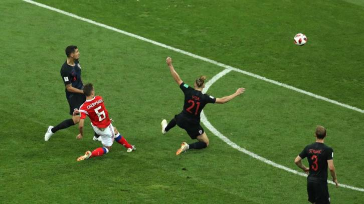 <figcaption>Cheryshev opened the scoring for Russia in a spectacular manner</figcaption>