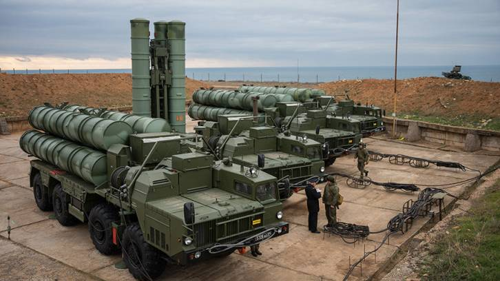 <figcaption>The S-400 Triumf anti-air missile system</figcaption>
