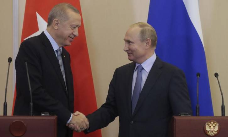 <figcaption>Russian President Vladimir Putin, right, and his Turkish counterpart Recep Tayyip Erdogan shake hands during a joint press conference after their talks in the Black Sea resort of Sochi on October 22, 2019. Photo: Sergei Chirikov / poll / AFP</figcaption>