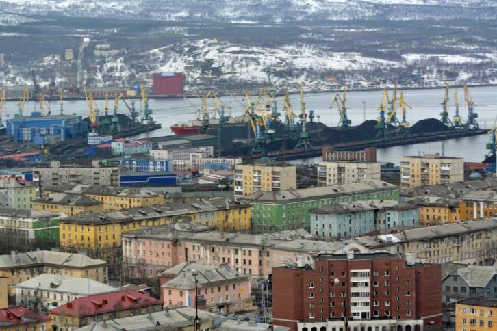 <figcaption>Coal is a key commodity in the Port of Murmansk. Photo: Thomas Nilsen</figcaption>