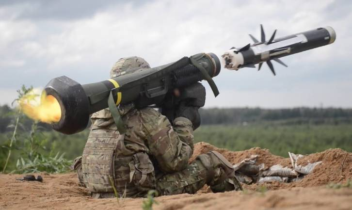 <figcaption>In a serious war 400 anti-tank rounds will last you about three hours</figcaption>