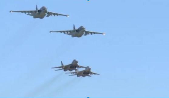 <figcaption> Syrian MiG-29 escorts Russian SU-25</figcaption>