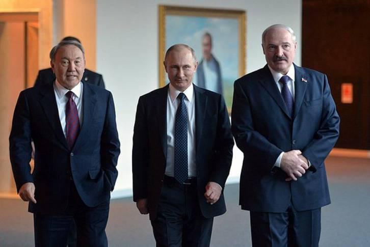 <figcaption>Kazakhstan's Nursultan Nazarbayev last month with President Putin and Belarus' Alexander Lukashenko (Kremlin)</figcaption>