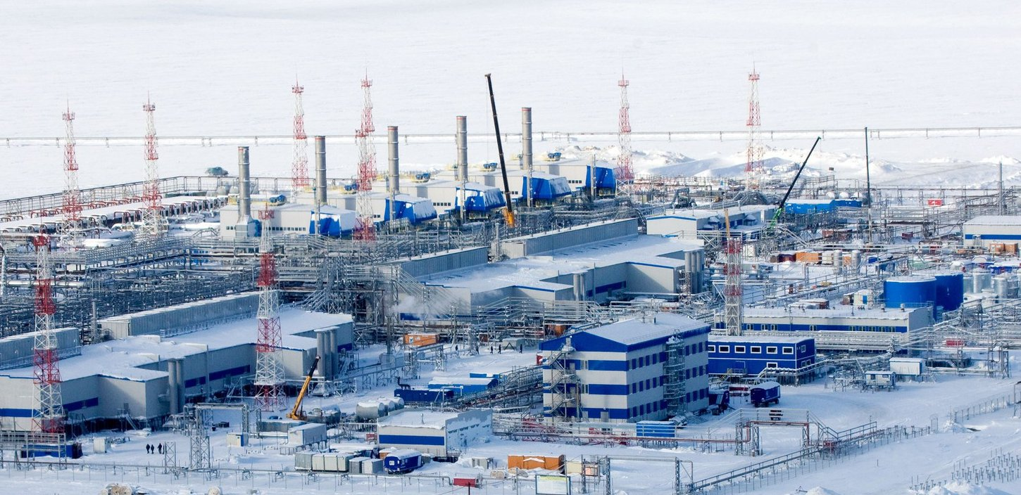 Oil Facility Construction : Russia s oil output at record levels in may